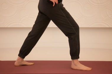 WI narrow stance